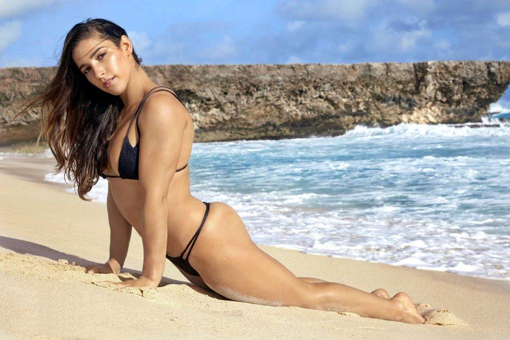 Hot photo of Aly Raisman in bikini