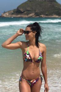 Jaqueline Carvalho beach