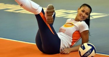 Jaqueline Carvalho volleyball