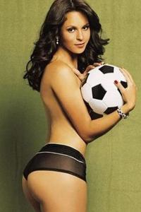 Laisa Andrioli naked