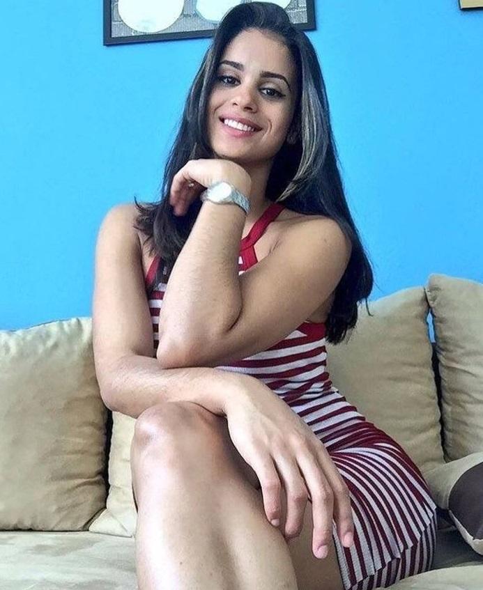 nackt Fernandez Winifer 41 Sexiest